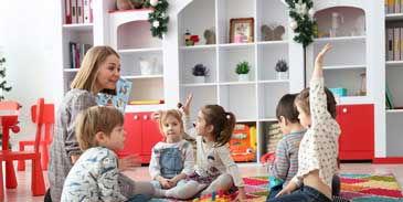 プリスクール先生と子供たち