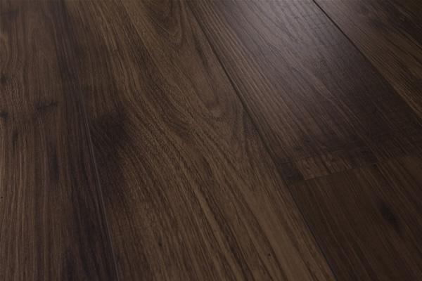 Italian walnut flooring
