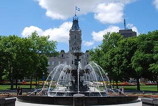 Parlement et Fontaine de Tourny - Unique Quebec Tours