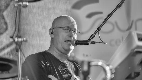 Jörg - Drums - Gesang