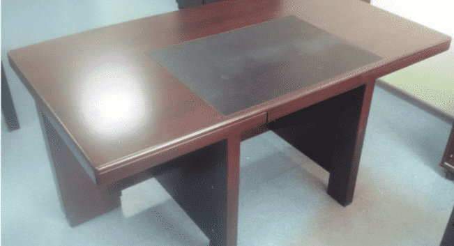Стол для руководителя махагон