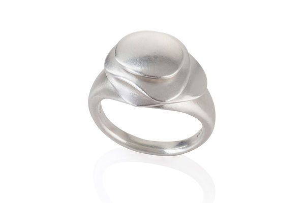 Kinetic ring, silver