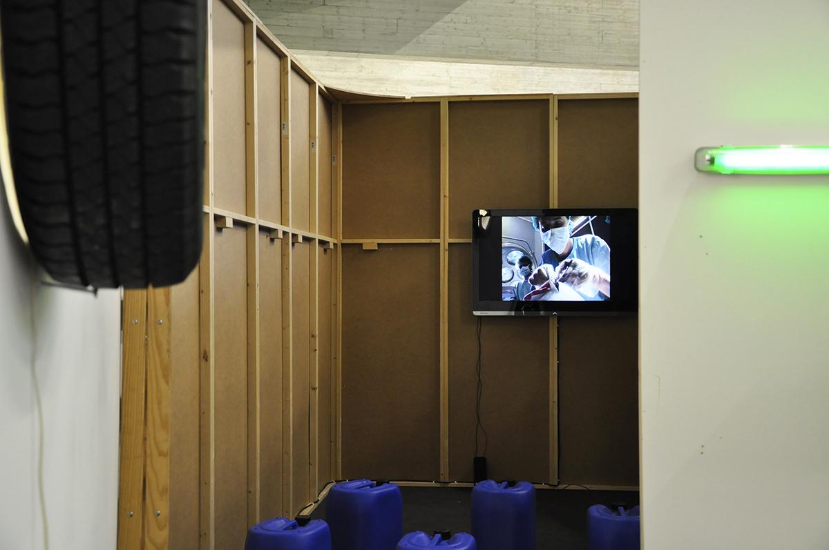 Ausstellungsansichten Port25_superart_tv_02.jpg