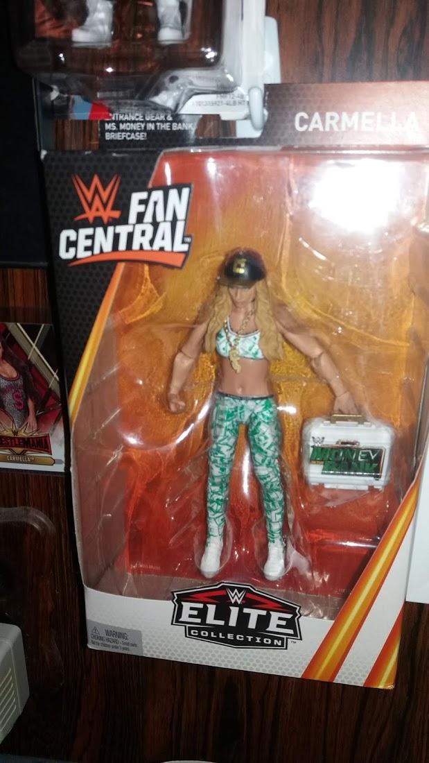 """Carmella """"Fan Central"""" Elite"""
