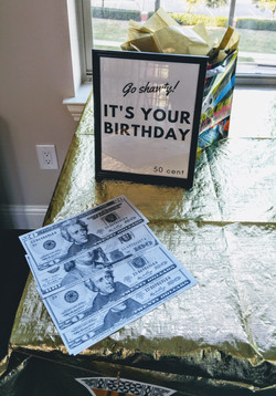 90s Gift Table