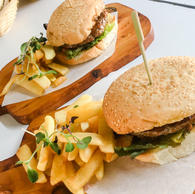 Beef Burgers & Chips