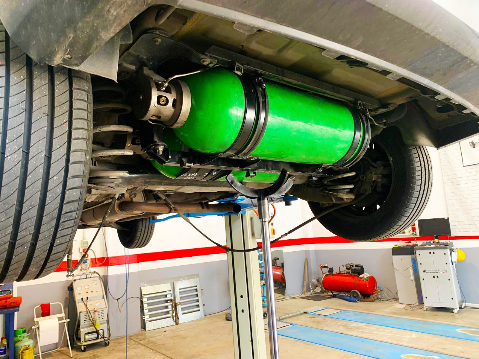 Revisioni e Collaudi Bombole Metano CNG4
