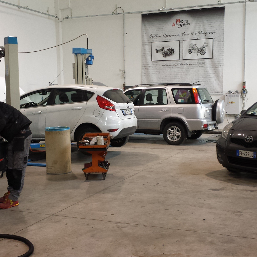 Officna auto