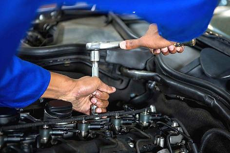 Manutenzione auto e cambio olio