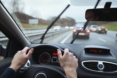 Cruscotto auto guida sicura