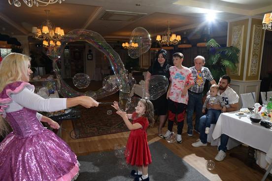 шоу мыльных пузырей.JPG