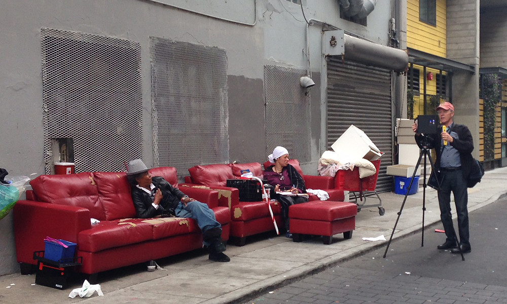Bill Robinson scanning on streets of San Francisco for Homelessness story