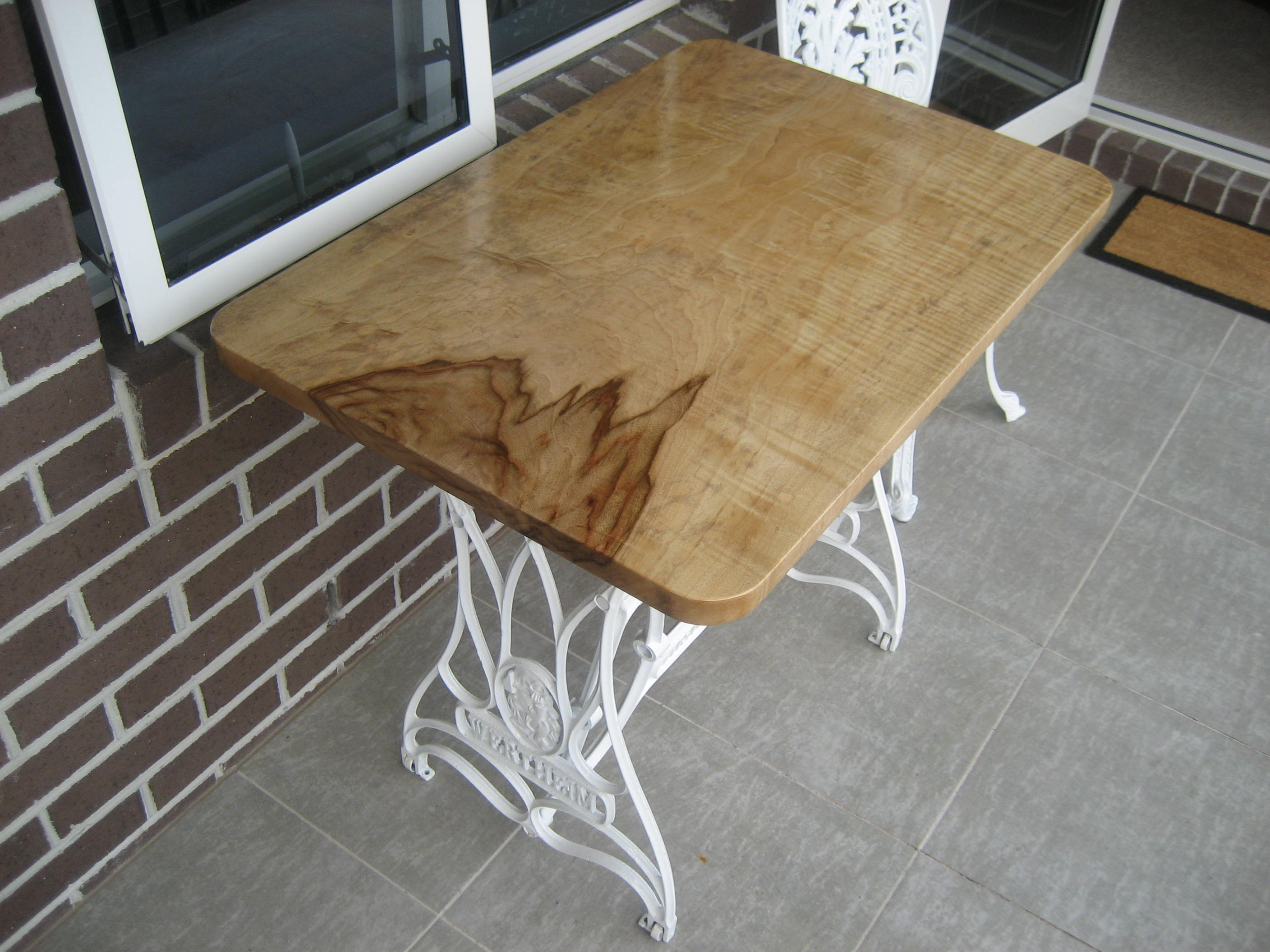 Singer Table Timber Top