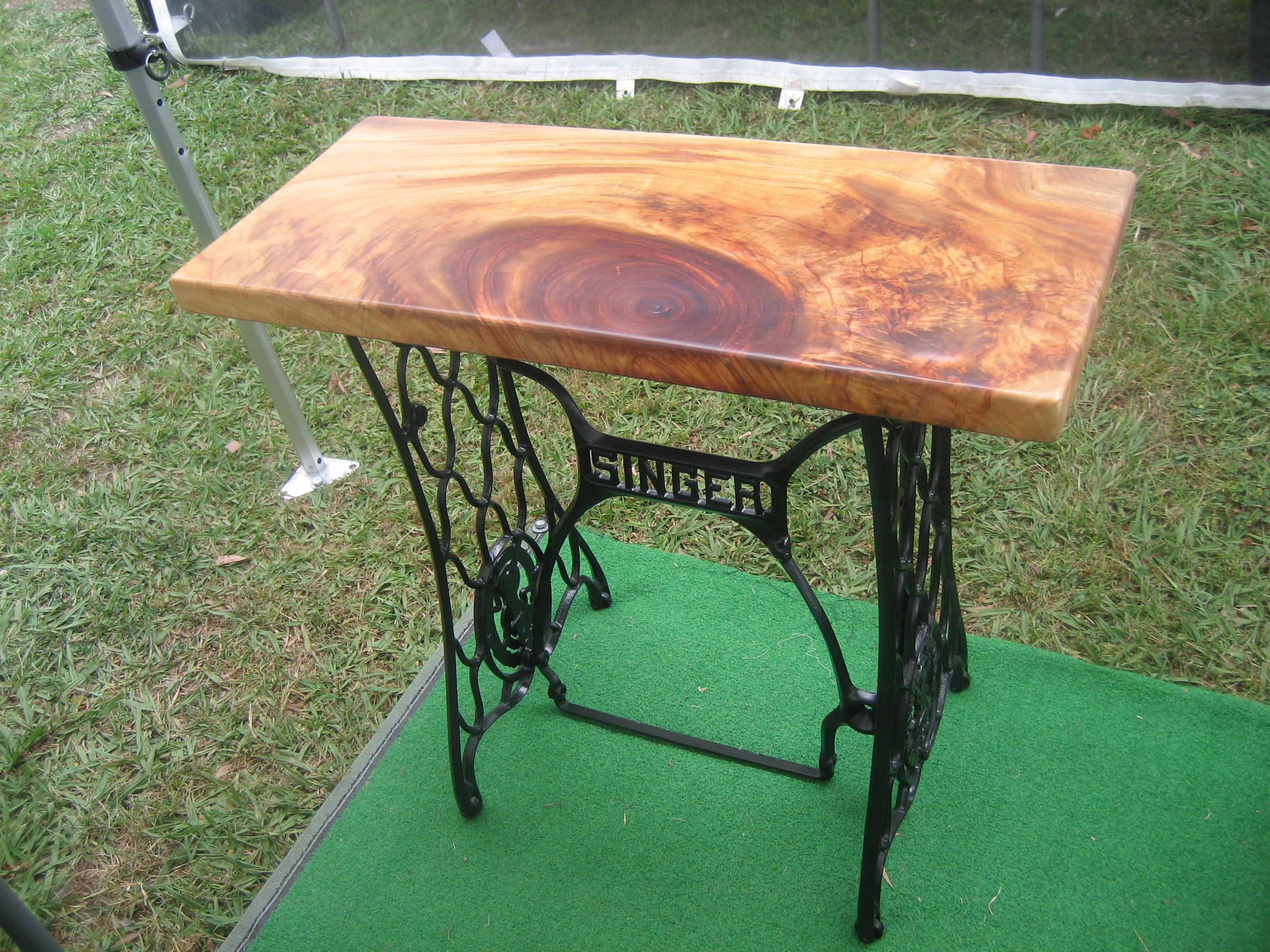 Singer Table Camphor Laurel