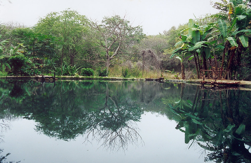 Ecuador_aguablanca_sulfur_laguna.jpg