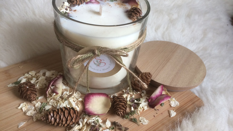The Winter Scents Christmas Candle
