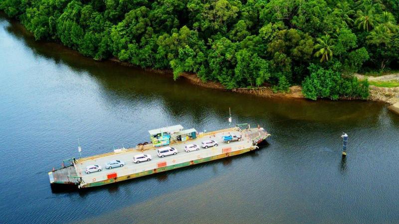 ferry daintree river