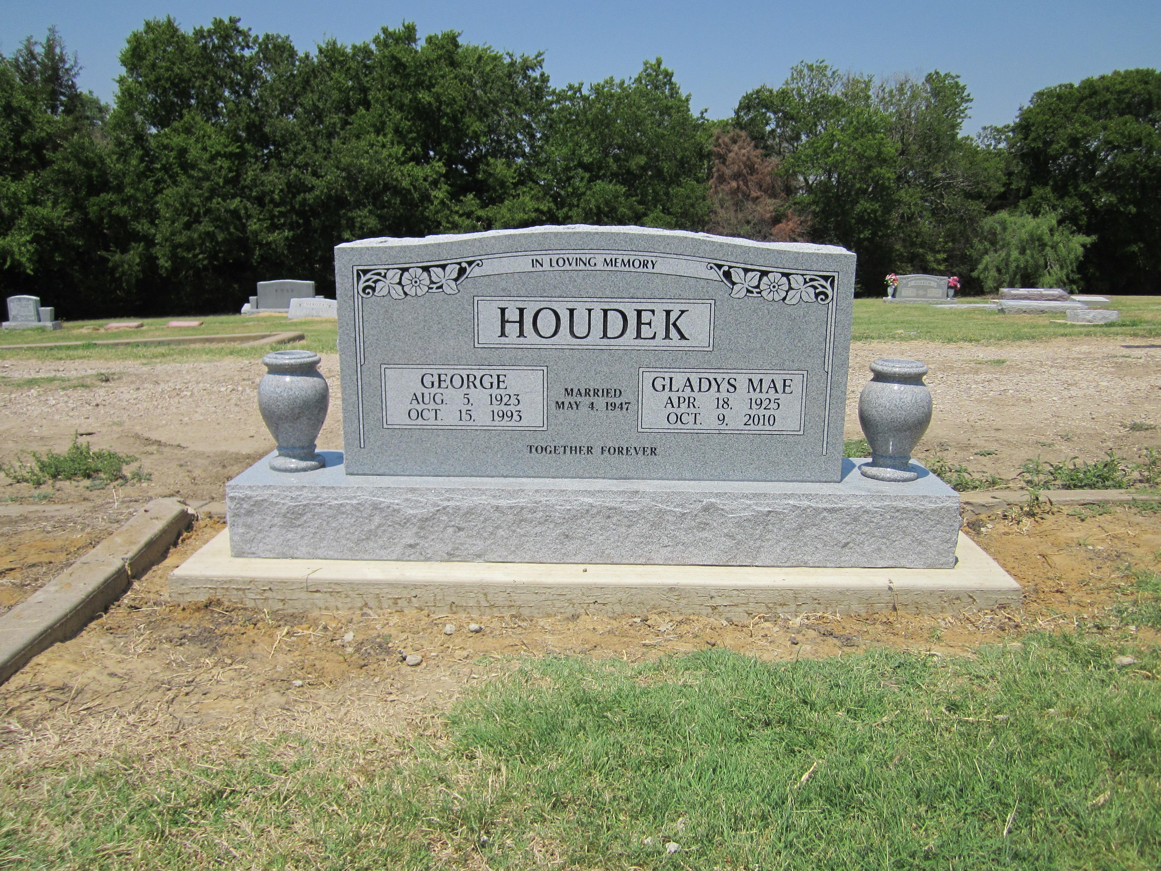 HOUDEK