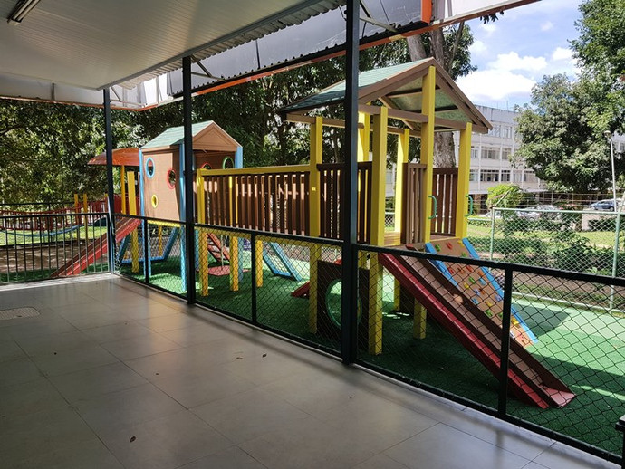playground_madeira_plastica1.jpg