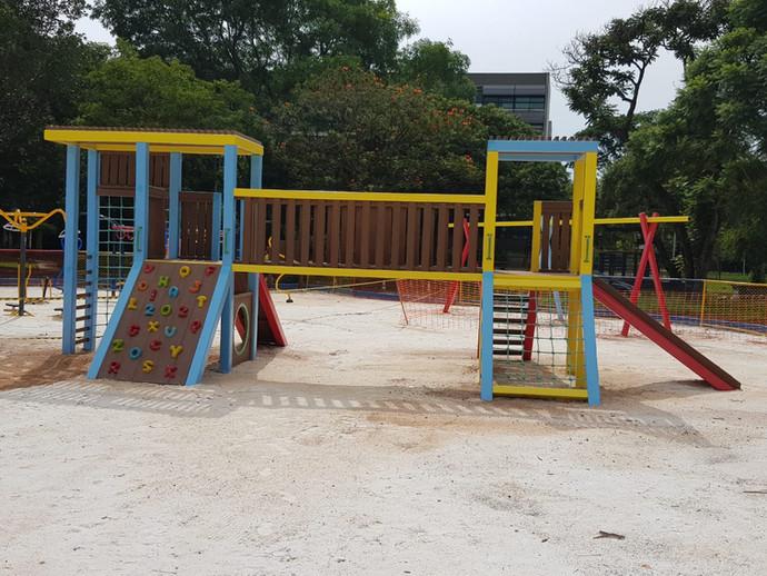 playground_madeira_plastica_plunct2 (5).