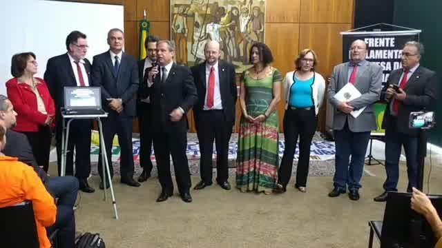 TODOS NA LUTA CONTRA A VENDA DA PETROBRAS   #AO VIVO, o lançamento da Frente Parlamentar em Defesa das Refinarias da Petrobras e contra a sua Privatização  #OPetroleoEdoBrasil