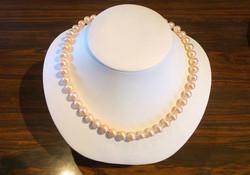 Perles saumonées