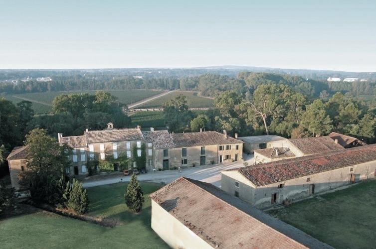 258597-carcassonne-chateau-auzias-caveau