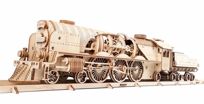 Ugears V-Express Steam Train with Tender  ........  model kit