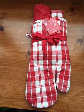 2  Kitchen Towels & 1 Oven Mitt ........ Red & White