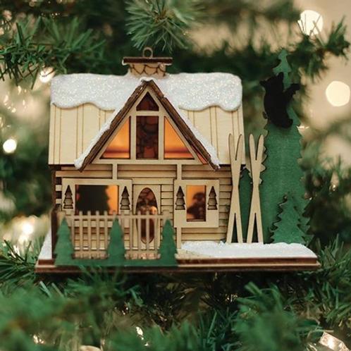 Santa's Ski-Lodge ..... Ginger Cottages Figurine / Ornament