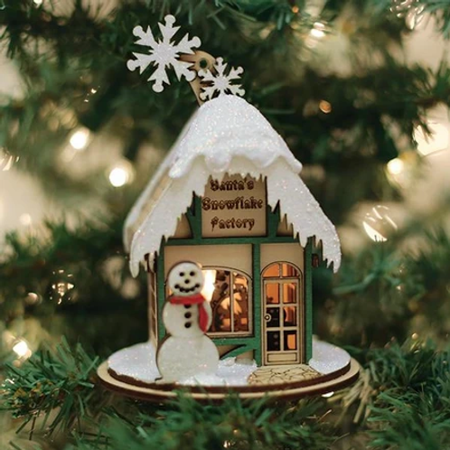 Santa's Snowflake Factory ..... Ginger Cottages Figurine / Ornament