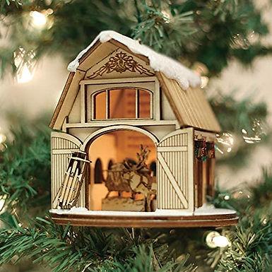Santa's Reindeer Barn ..... Ginger Cottages Figurine / Ornament