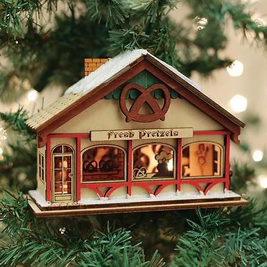 Peppermint Twist Pretzel Shop ..... Ginger Cottages Figurine / Ornament