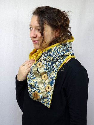 Snood à capuche ethnique jaune