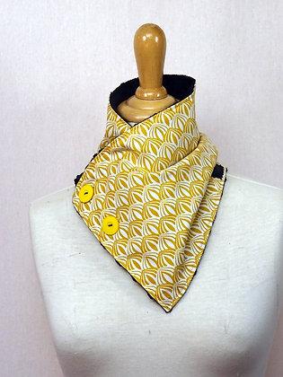 Col écharpe vintage jaune