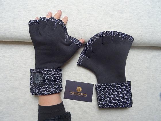 Mitaines Palmées motif géométrique noir
