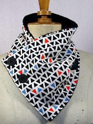 col écharpe motif triangles