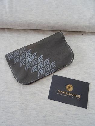 Blague à Tabac grise motif japonais seigaiha argent