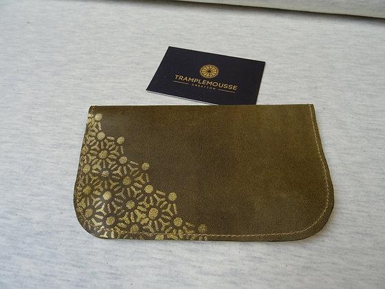 Blague à Tabac cuir olive motif japonais doré