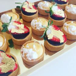 Mini Tartlets - ganache & lemon meringue