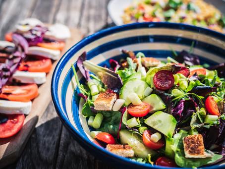 Receitas de molhos saudáveis para a sua salada