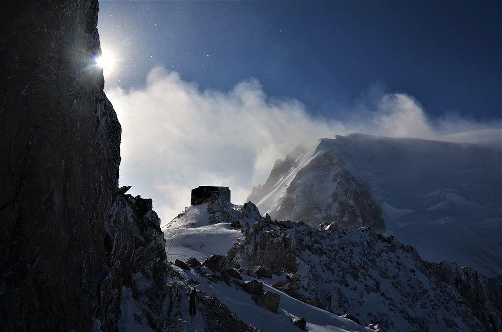Refuge_depuis_le_départ_Glacier_Rond.jpg