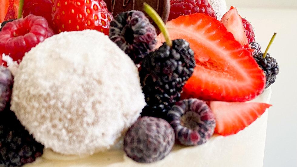 Bolo Fino | Branquinho e Frutas Vermelhas