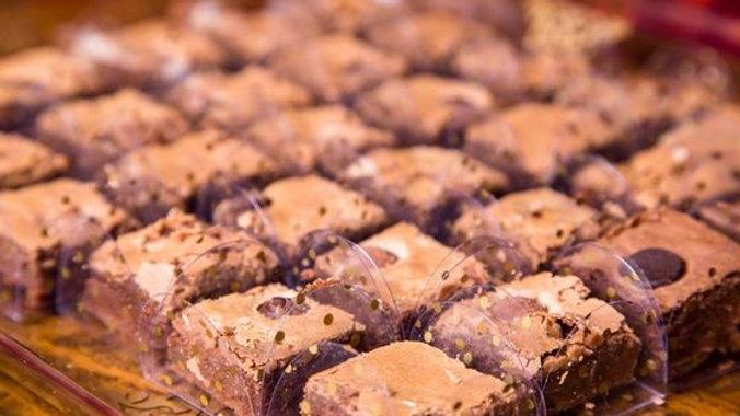 MINI BROWNIES | CHOCOLATE E MORANGO