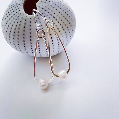 Pearl dangles - LIMITED