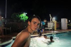 Motel Swimming