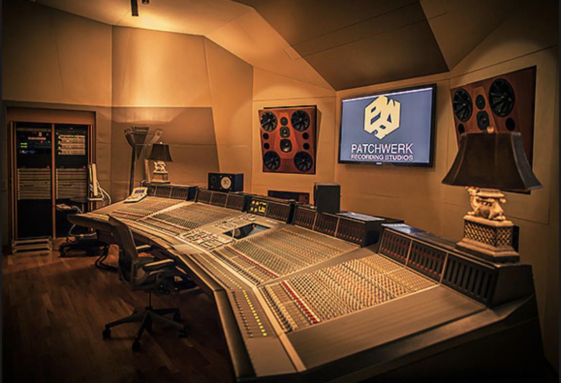Studio 9000