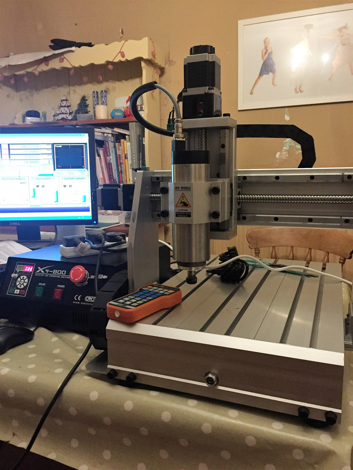 New better faster more polished CNC arrives from the USA/China The 800W motor is huge!