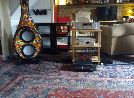 Nord One UP driving Voyla Boutique £120,000 Speakers at HiFiPig Editors House! Reports Sounding Very