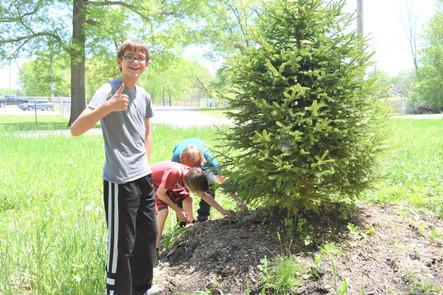 WMBS kid volunteers thumbs up.jpg